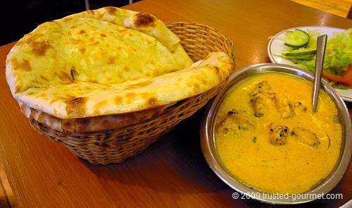 The naan bread and curry