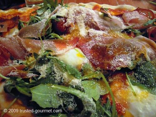 Details of the pizza Trentino
