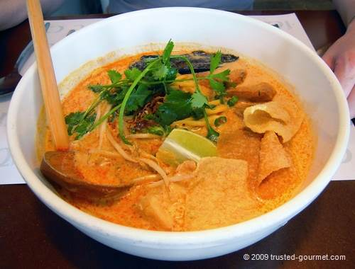 Ying Yang Laksa noodles with Thai fishcake
