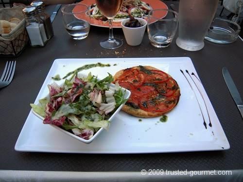 Tarte fine à la tomate et basilic