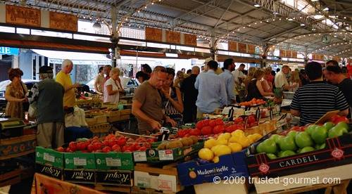 The marché provençal on Sunday