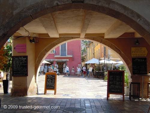 The Place des Arcades in Valbonne. The restaurant is at the right.