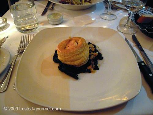 Scallop and trompette des mort vol au vent
